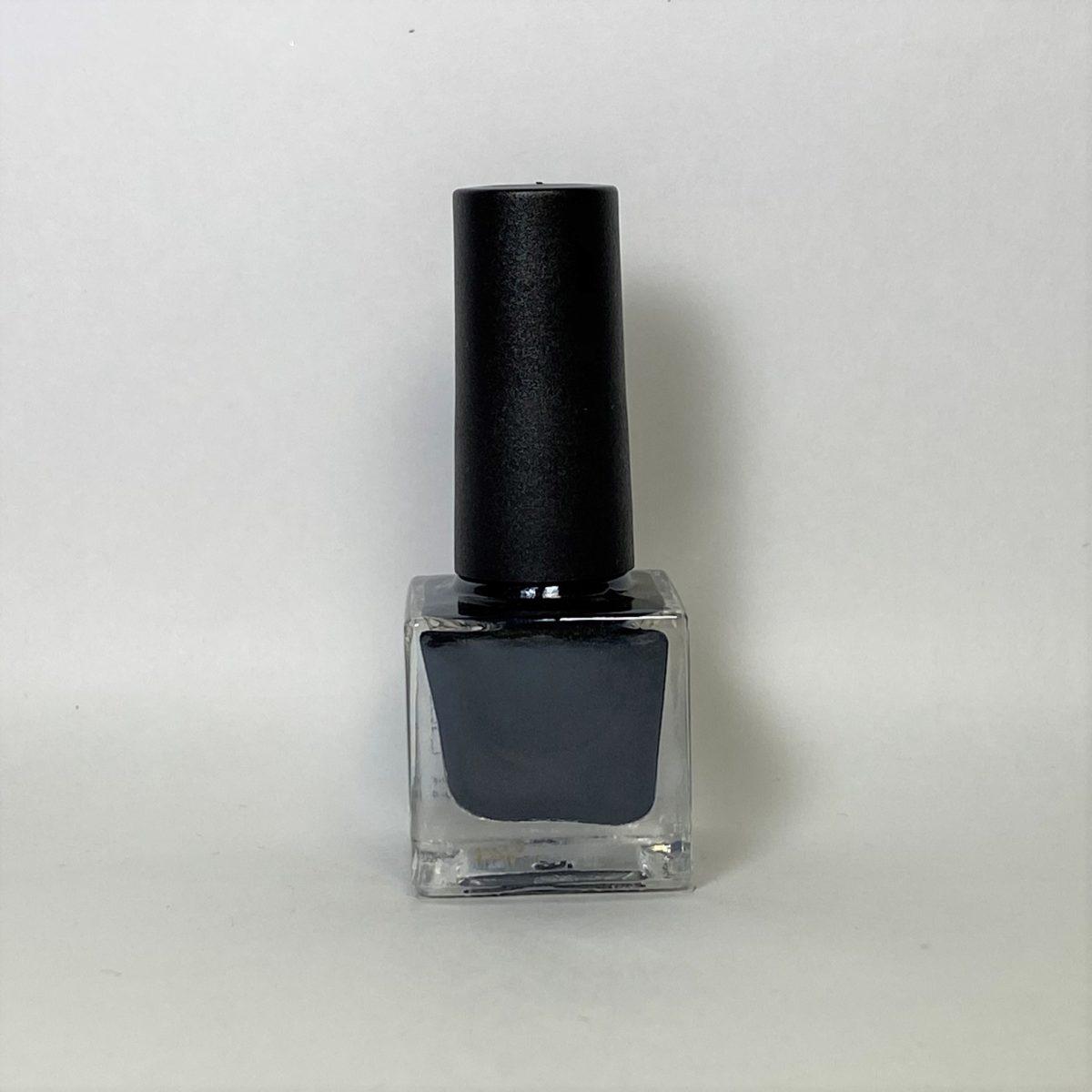 ネイルポリッシュ R03 Black