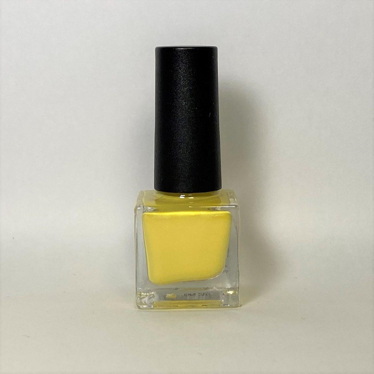 ネイルポリッシュ R14 Light Yellow
