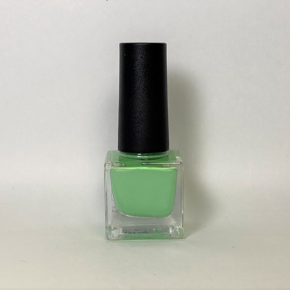 ネイルポリッシュ R20 Light Green